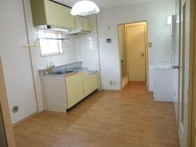 ベルグハウゼ 203号室のキッチン