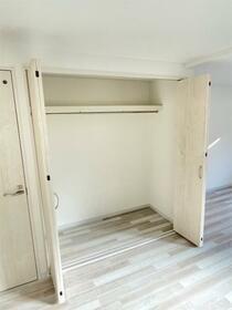 サンブリッジ 202号室の玄関