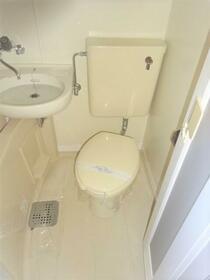 アベニュー 101号室のトイレ