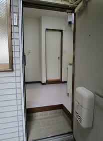 メルベーユカネフサ 103号室の玄関