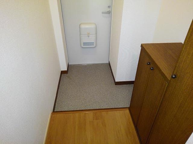ファミールフジB 02020号室の玄関