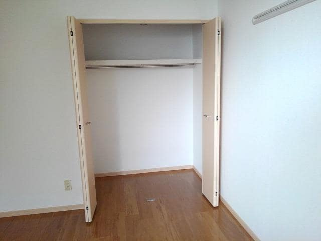 ファミールフジB 02020号室の収納