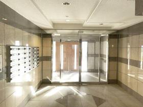 セントラルコート千代田 1002号室のエントランス