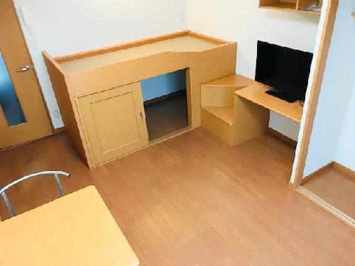 レオパレスレインボー 107号室の収納