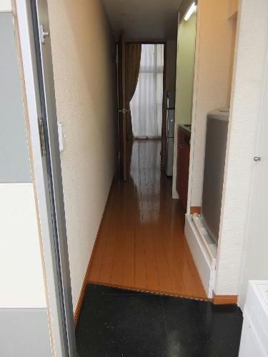 レオパレスコンフォートウッズⅡ 111号室の玄関