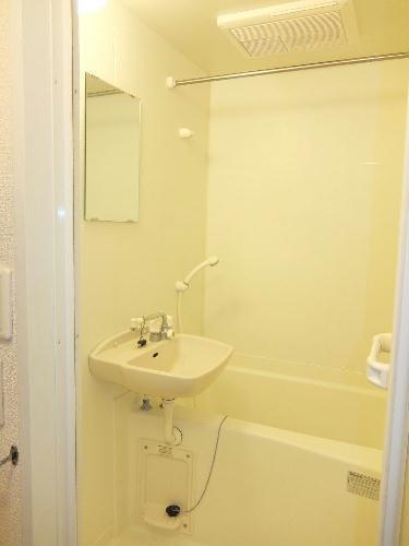 レオパレスコンフォートウッズⅡ 111号室の風呂