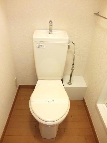 レオパレスコンフォートウッズⅡ 111号室のトイレ