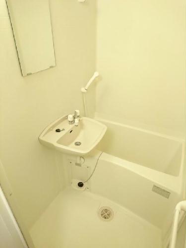 レオパレスコンフォートウッズⅡ 111号室の洗面所