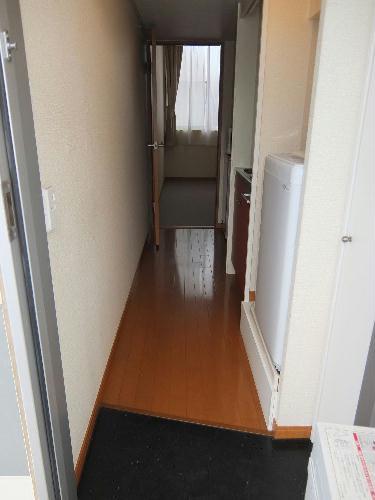 レオパレスコンフォートウッズⅡ 209号室の玄関