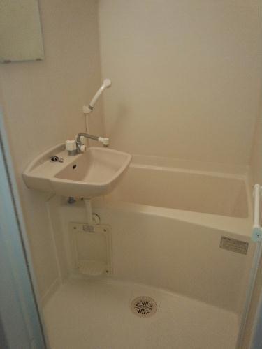 レオパレスFIT TERRASE 101号室の風呂