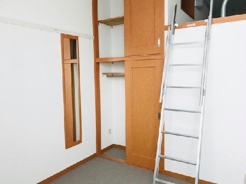 レオパレスサンヒダカ 202号室のリビング