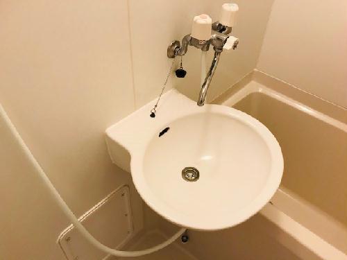 レオパレスサンヒダカ 207号室の風呂