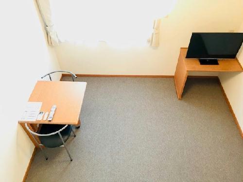 レオパレスサンヒダカ 207号室のリビング