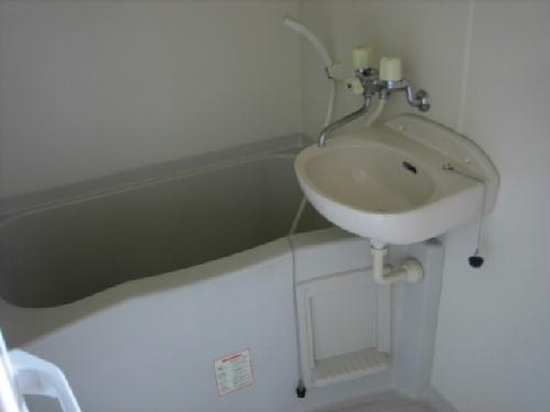 レオパレスSAFURAN 204号室の風呂
