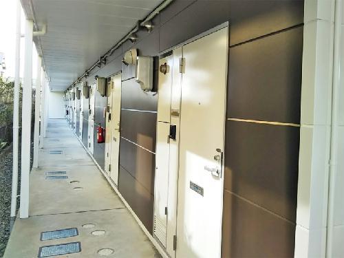 レオパレスシーグリーン 104号室のエントランス
