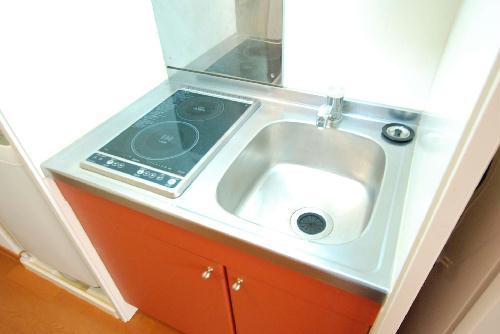 レオパレスルーブルⅡ 101号室のキッチン