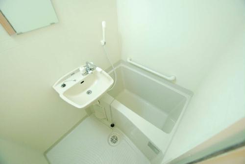レオパレスルーブルⅡ 101号室の風呂