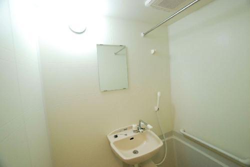 レオパレスルーブルⅡ 101号室の洗面所