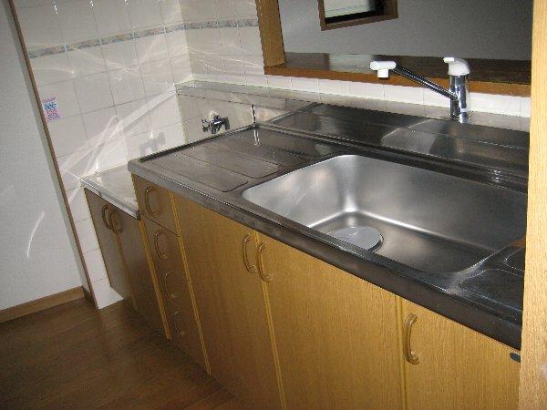 レジデンス富士 301号室のキッチン