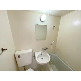 エステイトE熊谷 旧シティホームズ本石 201号室の風呂