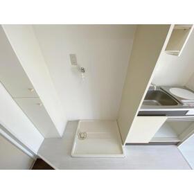 エステイトE熊谷 旧シティホームズ本石 201号室の洗面所