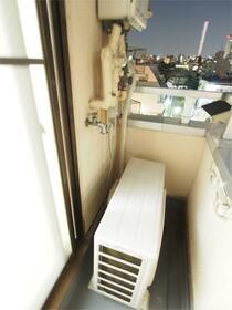 ブランシュメゾン池袋 403号室のバルコニー