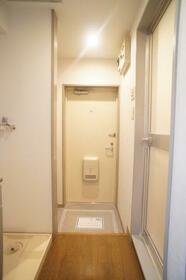 ヴィラ・オーキッド 506号室の玄関