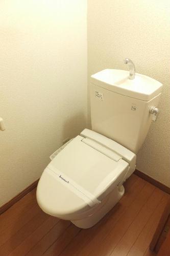 レオパレスベータコート 102号室のトイレ