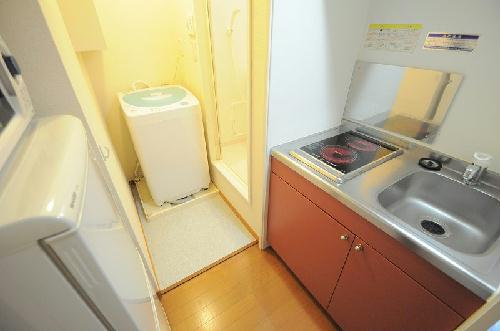 レオパレスSATO 102号室のキッチン