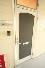 メゾングランドール2 206号室の玄関
