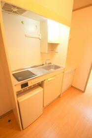メゾングランドール2 206号室のキッチン