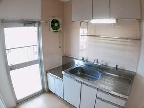 樋口マンション 103号室のキッチン
