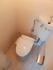 樋口マンション 301号室のトイレ