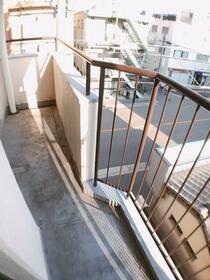 樋口マンション 301号室のバルコニー