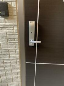 メゾンN 京都 三十三間堂 101号室の玄関