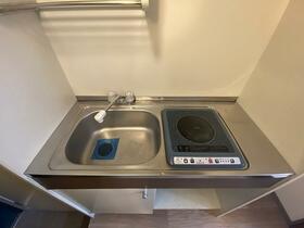 ソリッドリファイン池尻大橋 103号室のキッチン