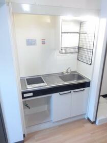 クレッセント本蓮沼 103号室のキッチン