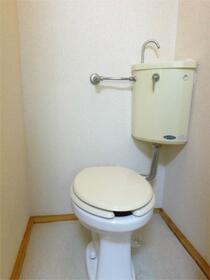 チェリーヒル小林III 101号室のトイレ