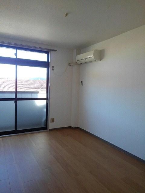 パルネット細川 02040号室のリビング