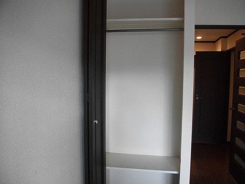 ライオンズマンション六本松第3 303号室の収納