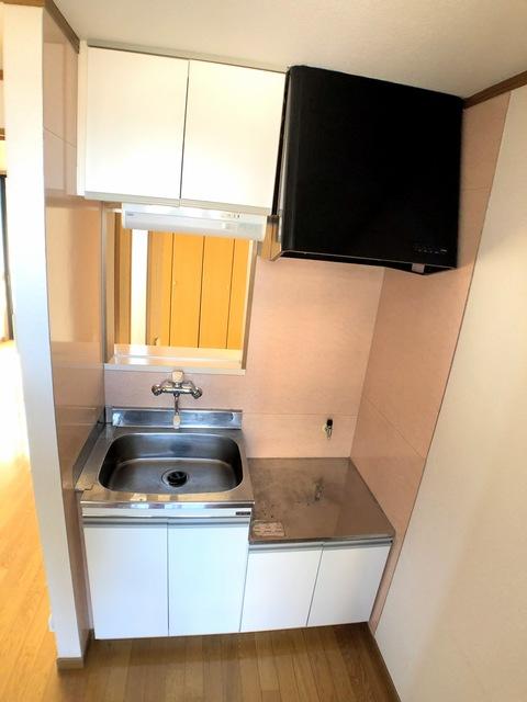 スクウェアコートC棟 205号室のキッチン
