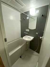 ルーブル中野富士見町伍番館 408号室の風呂