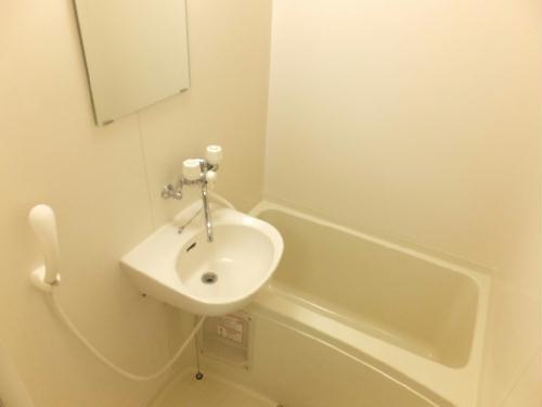 レオパレス成塚 207号室の風呂
