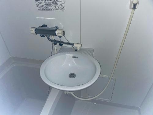 レオパレスアンソレイエ 203号室の収納