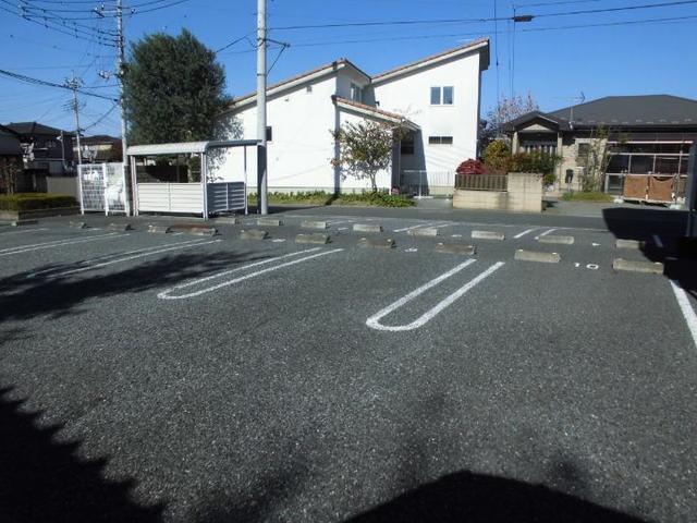 ツインコートB 02010号室の駐車場