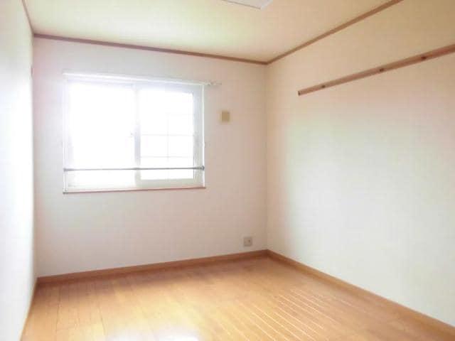 ツインコートB 02010号室の居室