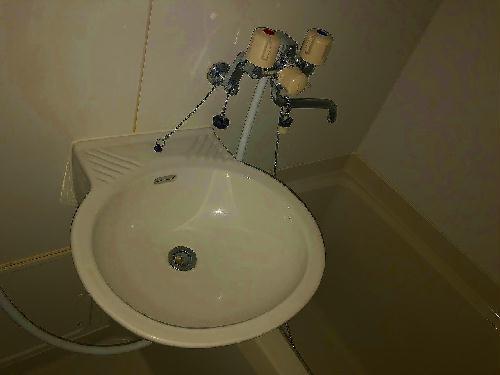 レオパレスユズ 304号室の風呂