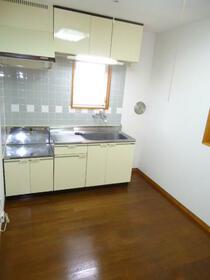 パインヒルハイツ 103号室のキッチン