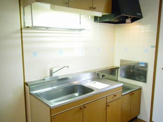 グラン・シャリオ 01030号室のキッチン