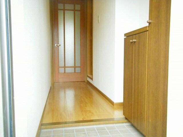 グラン・シャリオ 01030号室の玄関